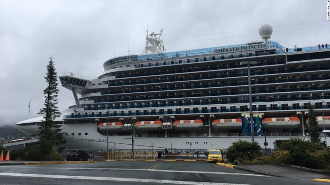 FBI: Man kills wife on cruise for laughing