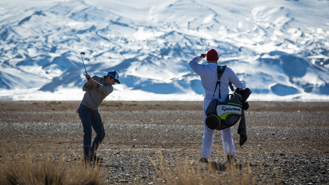 Playing golf over 1,800 kilometers