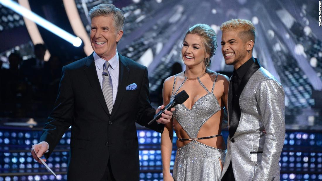 Who wowed on 'Dancing With the Stars'?