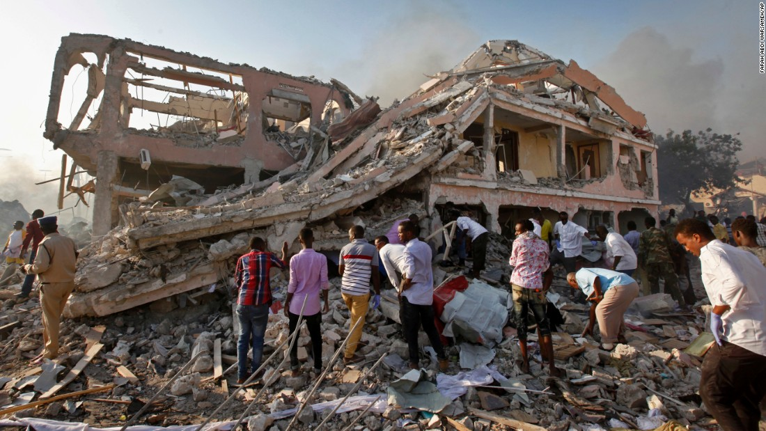 Explosion hits Mogadishu hotel