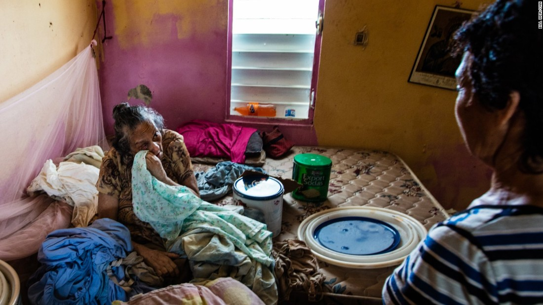 Puerto Rico mayor delivers food and finds desperation