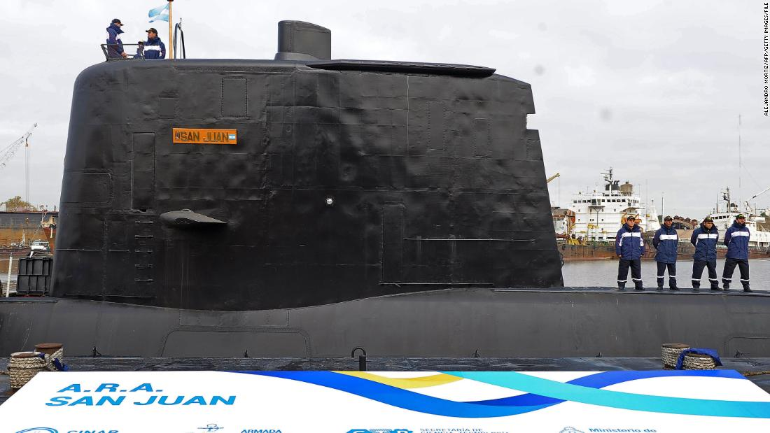 Argentina loses contact with submarine