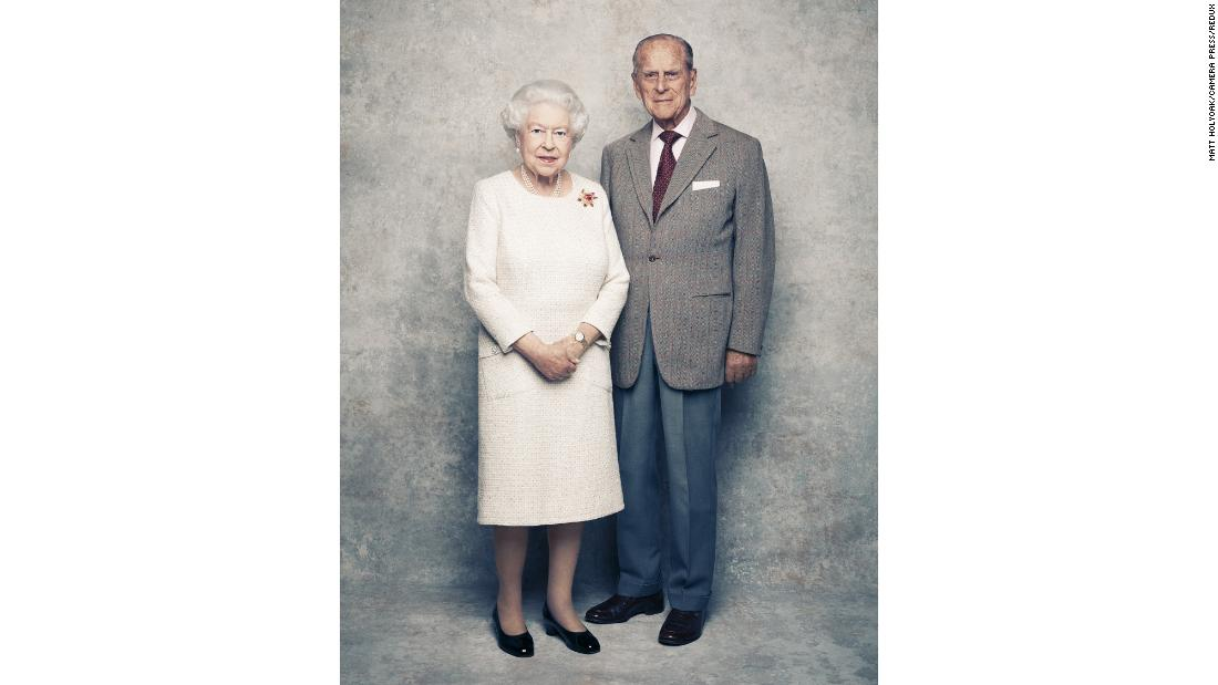 Queen Elizabeth, Prince Philip mark 70th anniversary with new portraits