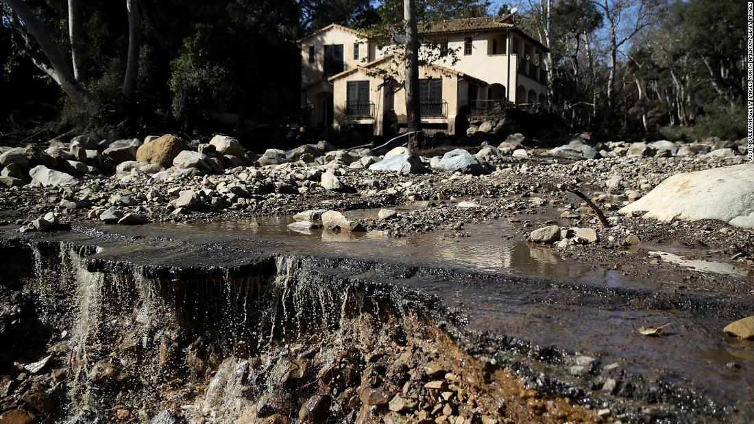 Residents blame utility for wildfire that contributed to mudslides