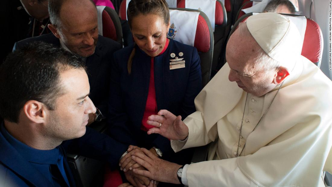 Pope's in-flight surprise makes history