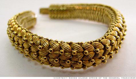 bracelet.top.jpg