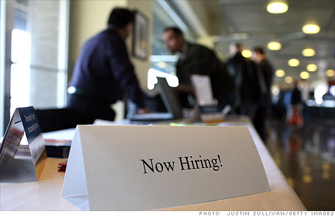 CNNMoney survey: Job hiring outlook brightens in new year