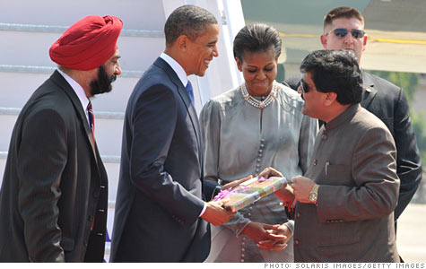 obama_chavan.gi.top.jpg