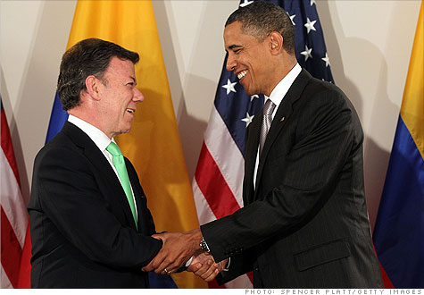 obama_santos.gi.top.jpg