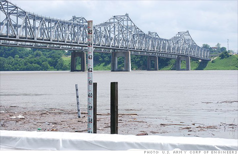 Memphis businesses are bracing themselves for a major flood as the Mississippi River keeps rising.