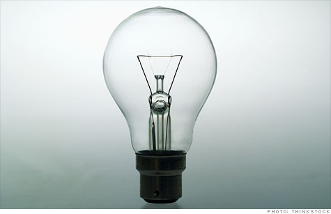 The push to keep traditional light bulbs on the shelves is gaining steam, driven by a distrust of government and global warming.