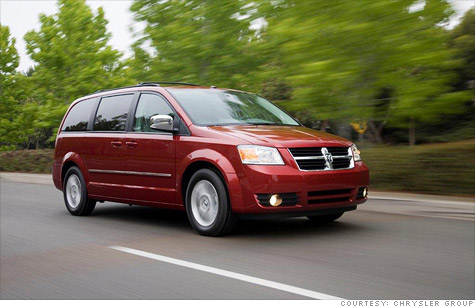 Chryler is recalling almost 300,000 2008 Dodge and Chrysler minivans to fix a problem that could cause airbags to deploy for no reason.