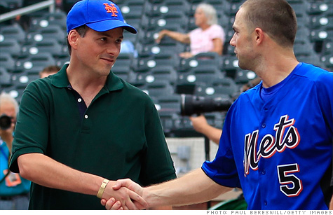 Hedge fund manager David Einhorn shook hands with New York Mets third baseman David Wright at a game last month.