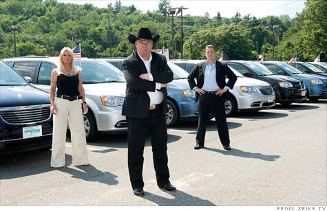 Auto sales consultant Tom Stuker (center) will work to turn around failing auto dealerships in five days with the help of his sister Roxy and consultant Roe Hubbard.