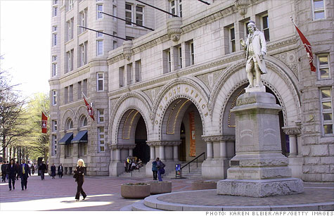 The Trump Organization has been selected to turn the historic Old Post Office building in Washington into a luxury hotel.