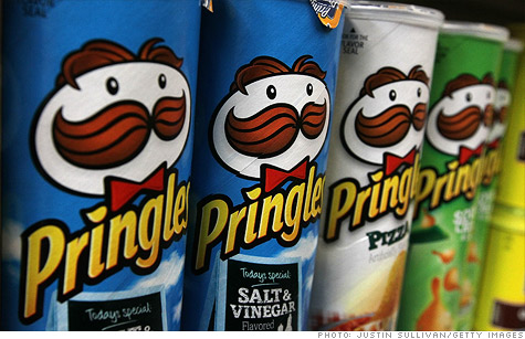 P&G is selling its Pringles unit to cereal maker Kellogg after an earlier deal fell apart.