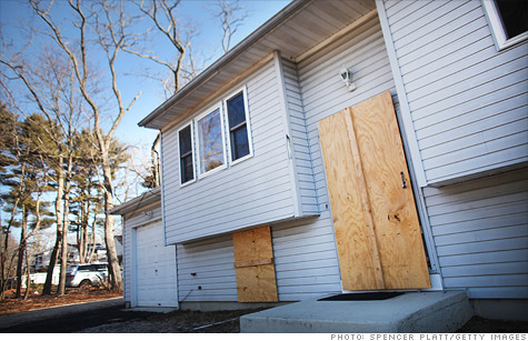 One in every 624 U.S. homes, nearly 211,000 in total, got hit with some sort of foreclosure filing last month.