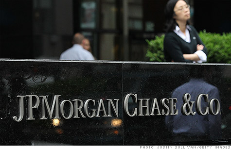Regulator tells Senate panel ex-JPMorgan exec may lose pay