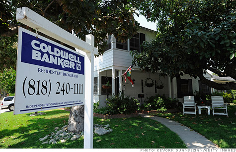 30-year mortgage rates have fallen to an all-time low, says Freddie Mac.