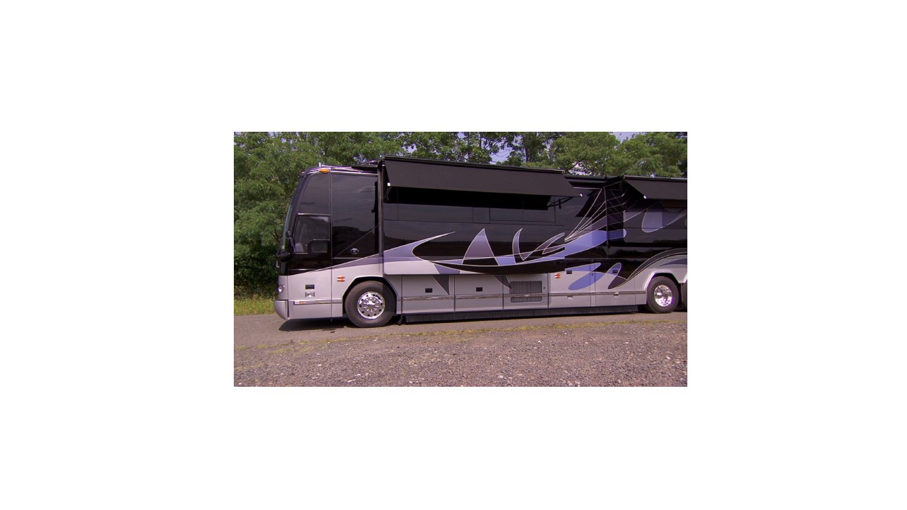 $1.6 million RV with two bedrooms - Video - Personal Finance