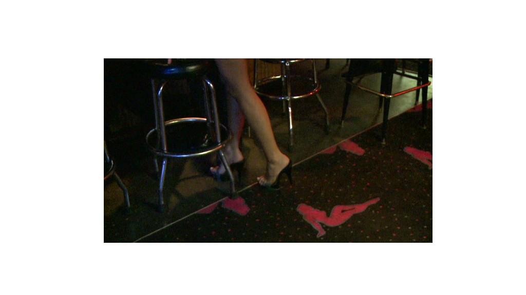 Strippers cash in on lonely oilmen