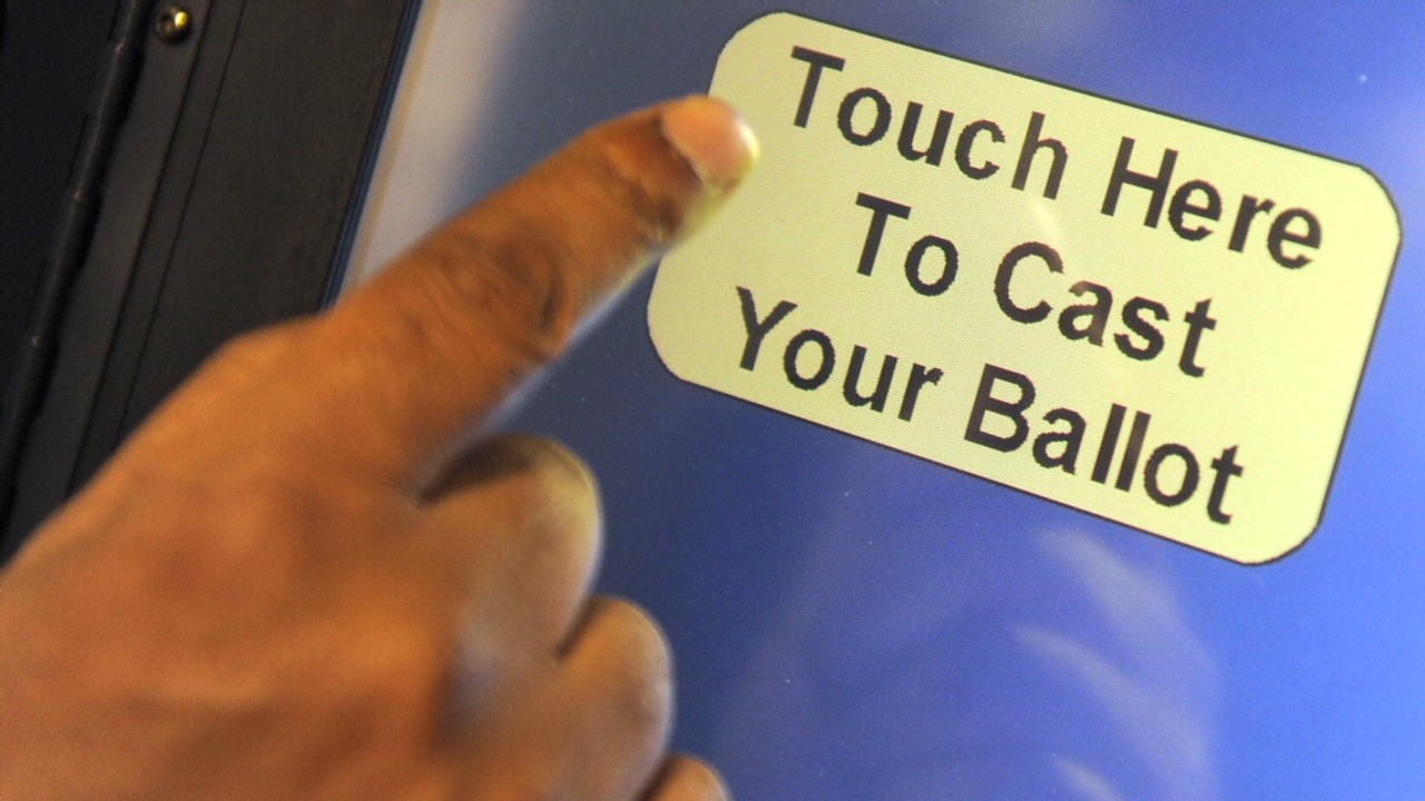 how to hack a voting machine