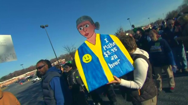 wal-mart protests draw hundreds