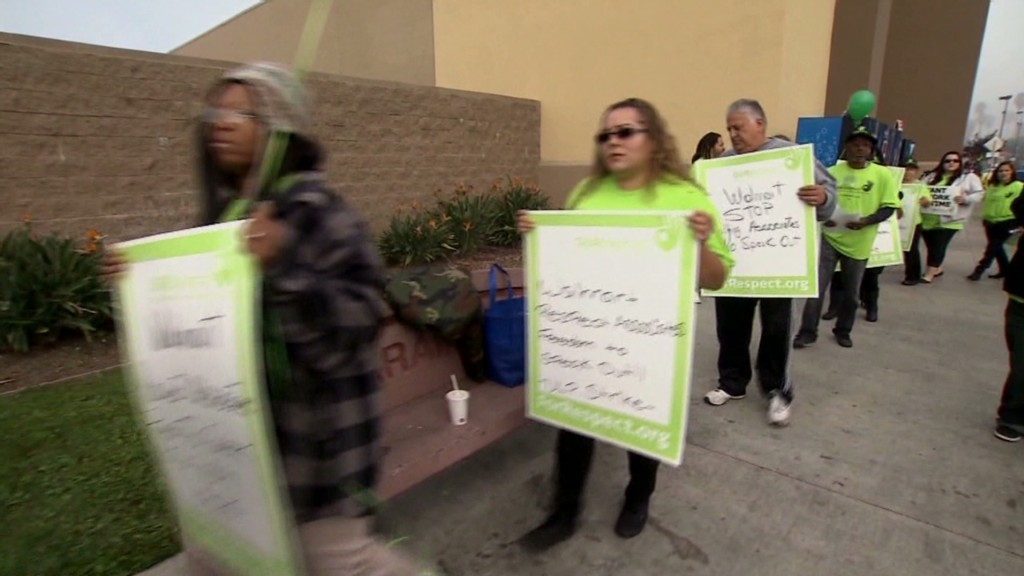 Wal-Mart workers protest on Black Friday