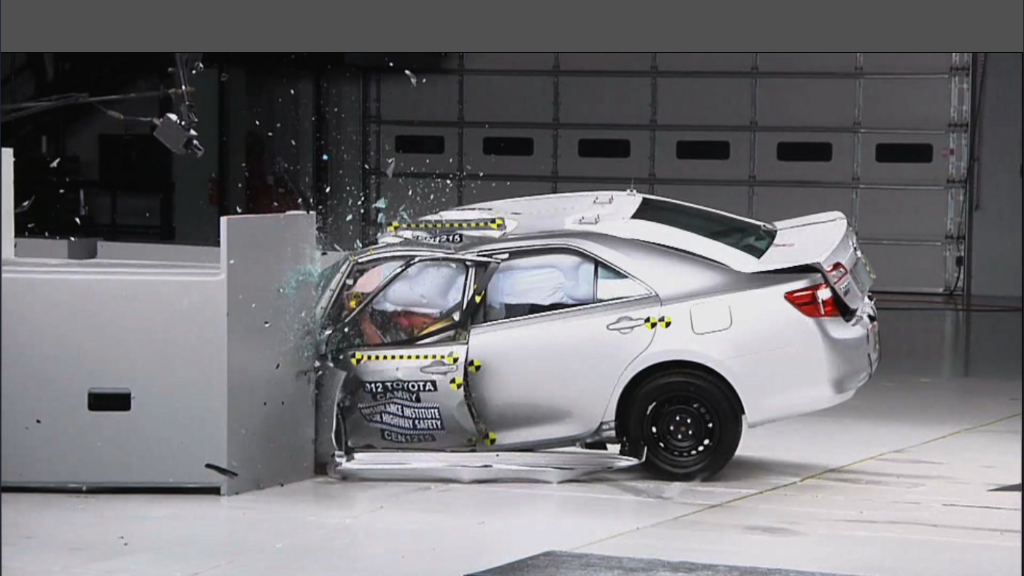Camry performs poorly in new crash test