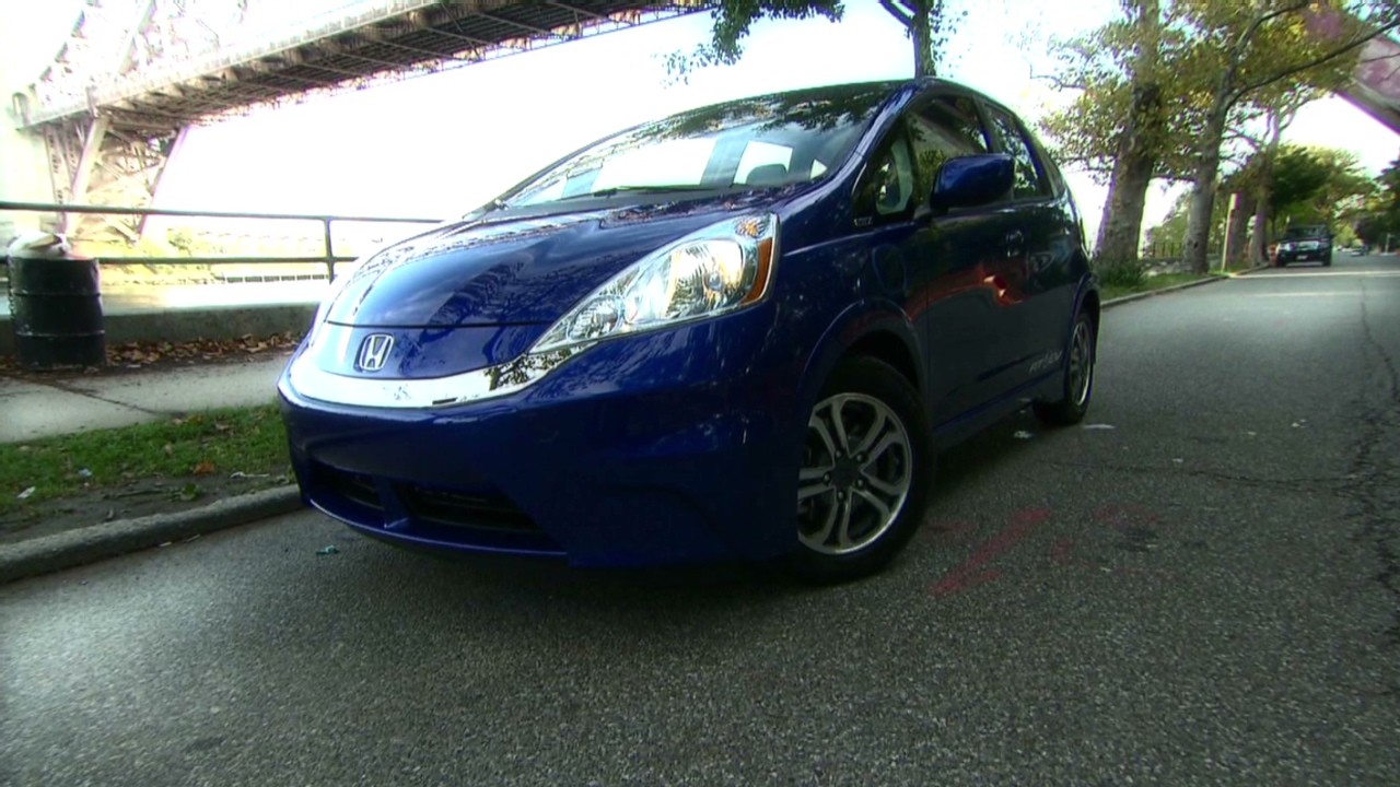 Honda honda fit ev range : Honda Fit EV plug-in: Pure electric fun - Video - Personal Finance