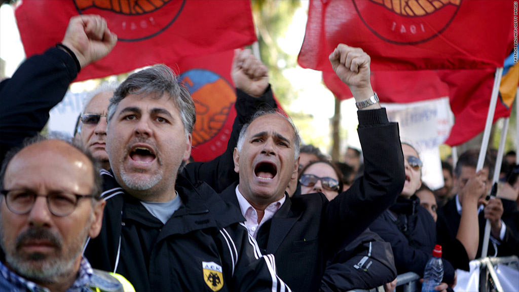 cyprus bank employees protest