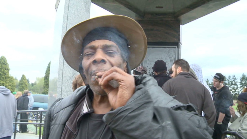 Washington celebrates first pot-legal 4/20