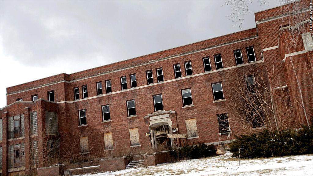 detroit vacant building