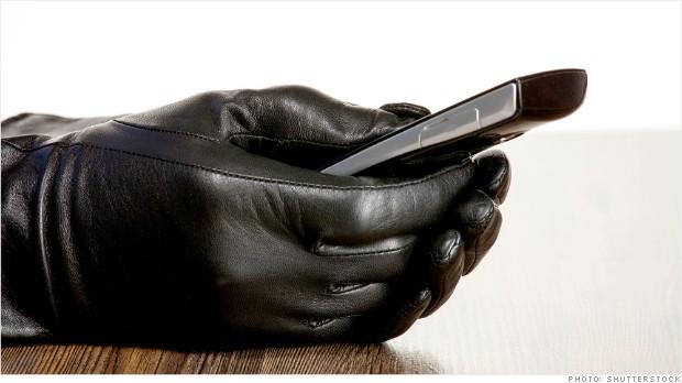 130613135105-stolen-smart-phone-620xa.jpg