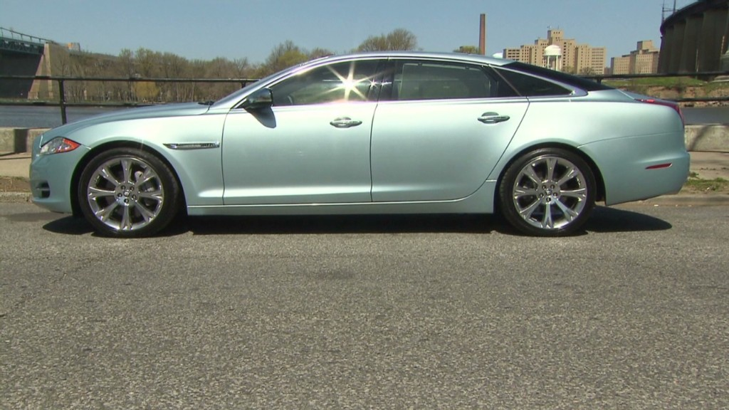 Jaguar XJ L: A big, agile cat