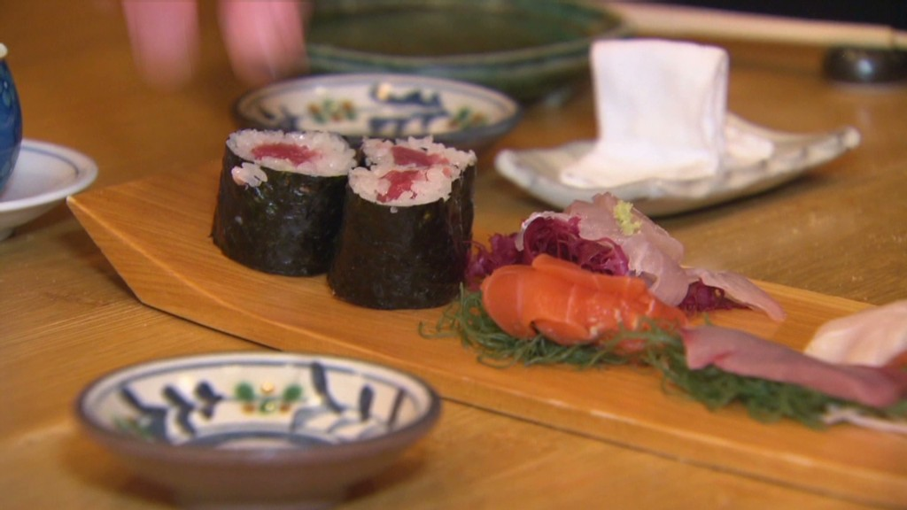 Sushi restaurant bans tipping