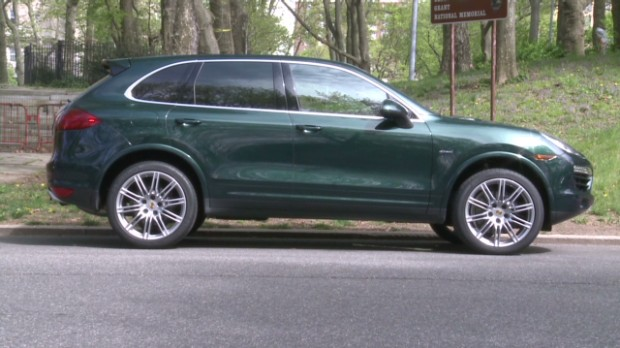 Porsche Cayenne Diesel: Green and sporty