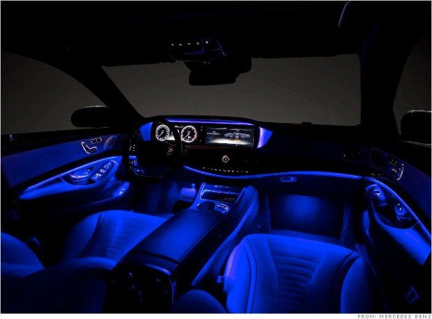 dazzling light show mercedes s class closest thing yet to a self driving car cnnmoney. Black Bedroom Furniture Sets. Home Design Ideas