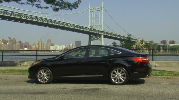 Hyundai Azera: Luxury car, non-lux price