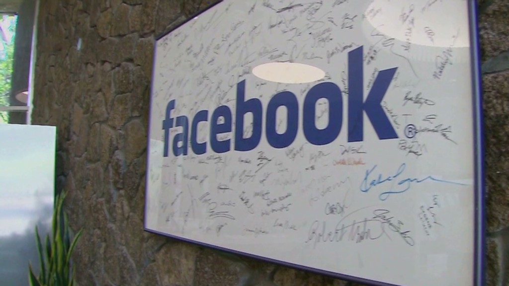Facebook soars as mobile strategy clicks