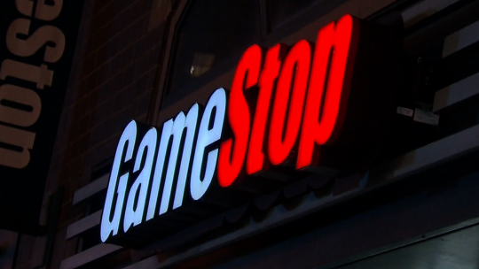 GameStop to shutter 100+ stores