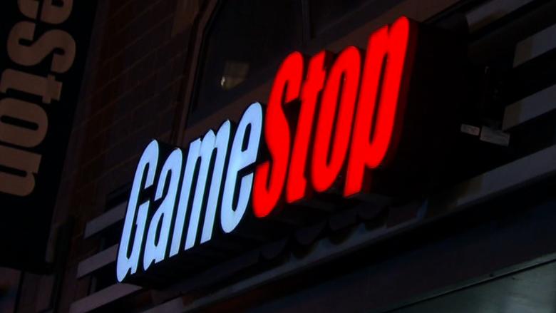 GameStop to shutter 100+ stores