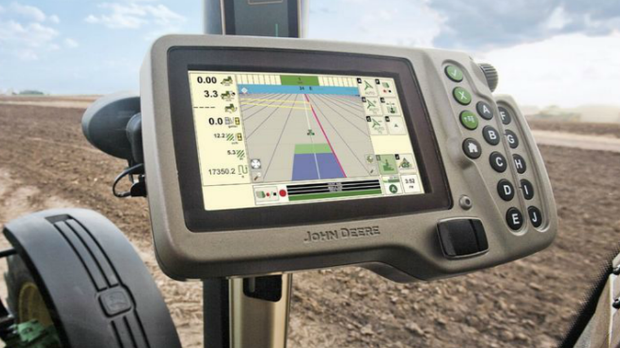 Deere: Smart tech coming to big farms