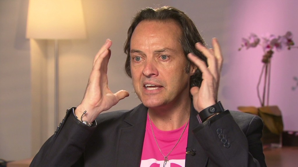 T-Mobile CEO John Legere crashes AT&T's party, gets kicked