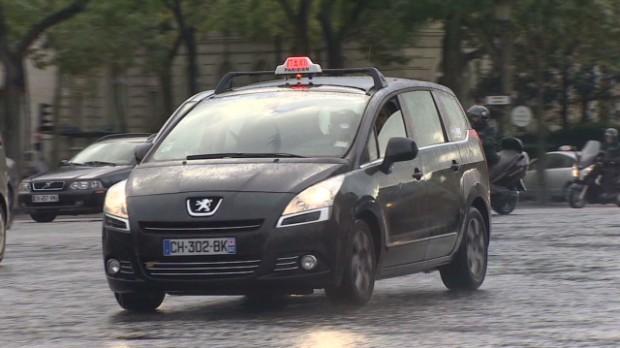 Smartphones spark Paris taxi wars