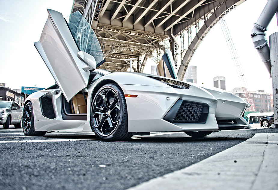 no slide name set lamborghini aventador insanity in the big city cnnmoney. Black Bedroom Furniture Sets. Home Design Ideas