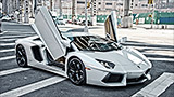Lamborghini Aventador: Insanity in the big city