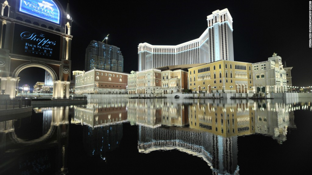 Macau gambling revenue vs las vegas