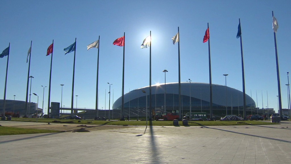 Sochi scrambles to prepare for Olympics