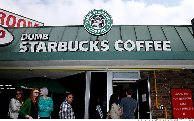 Starbucks a Dumb Starbucks: no usen nuestra marca